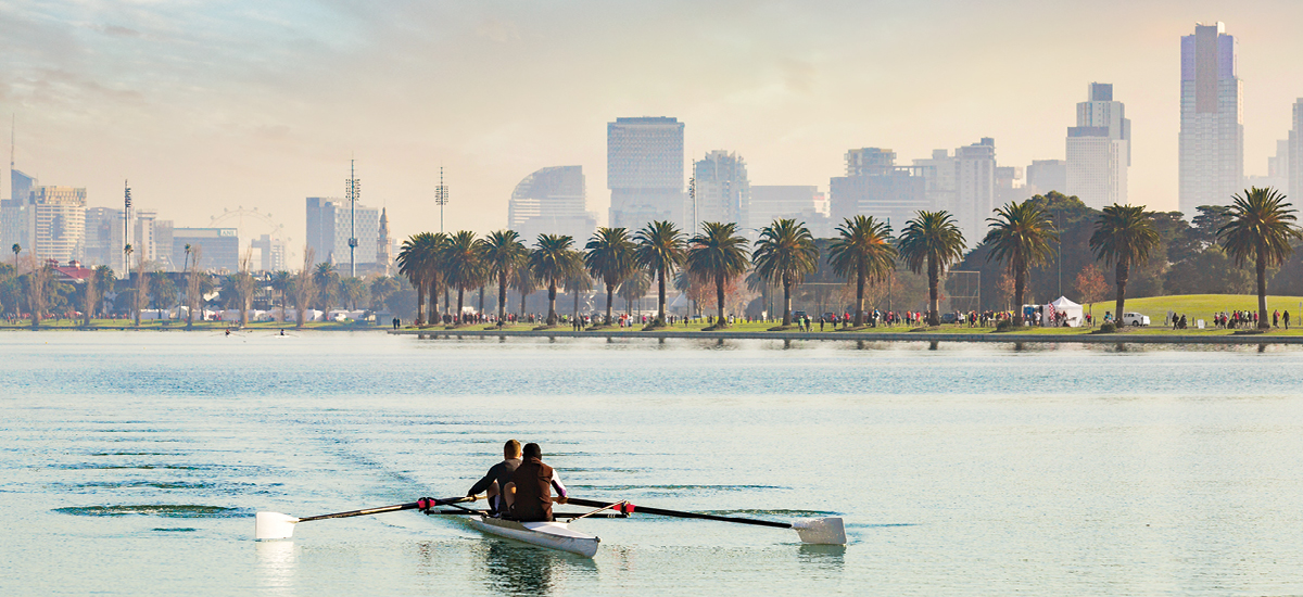 rowing on river melbourne