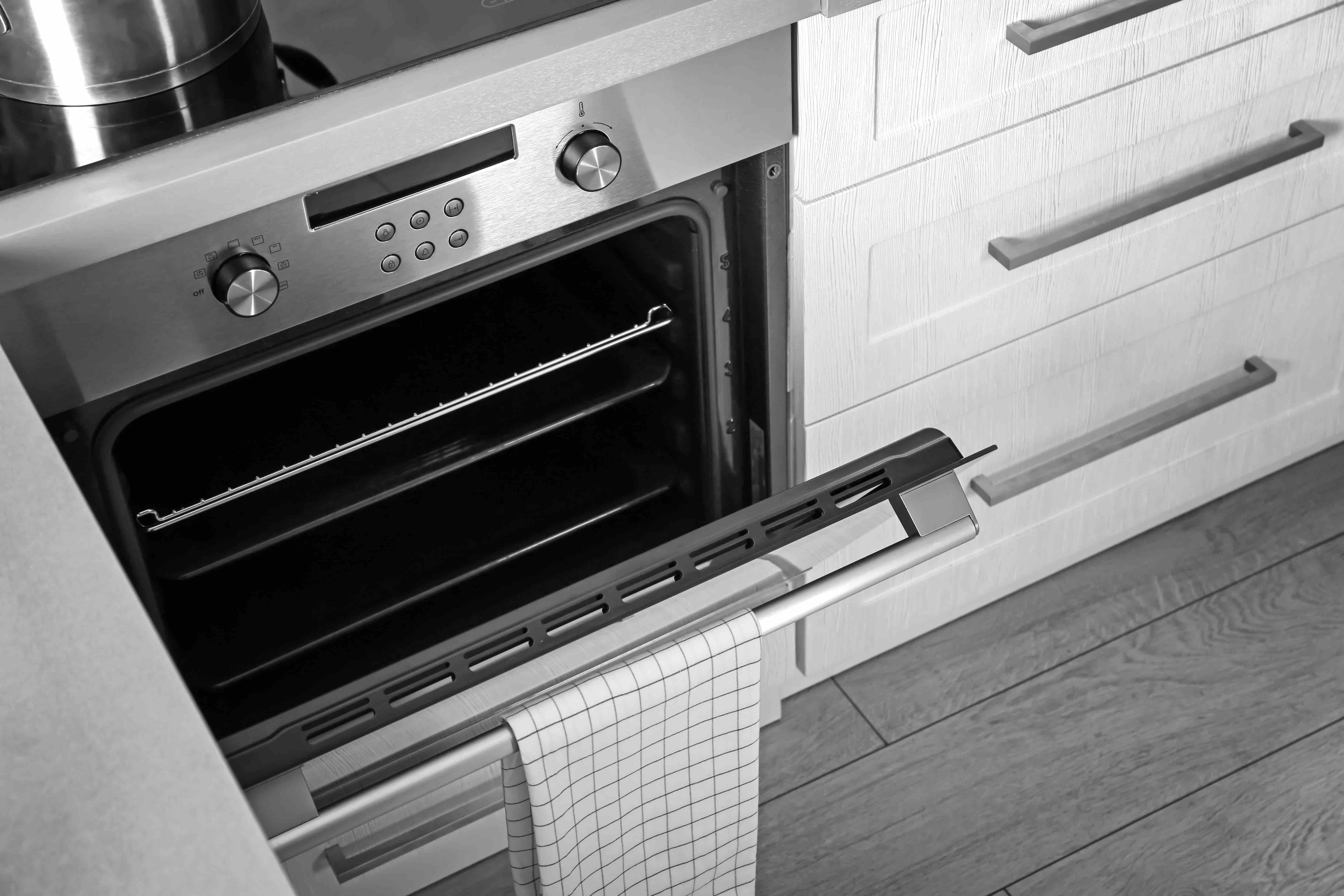 Clean and sparkling oven